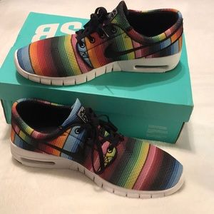 almost BRAND NEW mens serape Stefan Janoski shoes